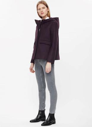 Короткое шерстяное пальто cos