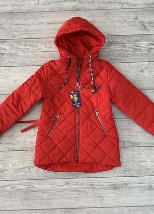Легкая куртка на девочку 9-10 лет
