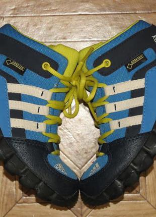 Зимние ботинки кроссовки adidas terrex gore-tex(оригинал)р.24