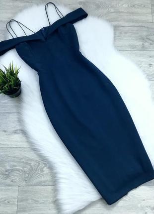 Платье миди с красивым декольте