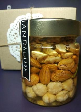 Мед ореховое сорти
