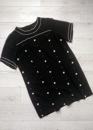 Красивое шифоновое платье с жемчугом р. 14-16
