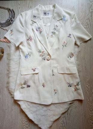 Белый комплект длинный пиджак жилет с блузой цветочная вышивка...