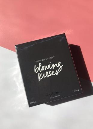Духи victorias secret парфюм blooming kisses victoria's secret