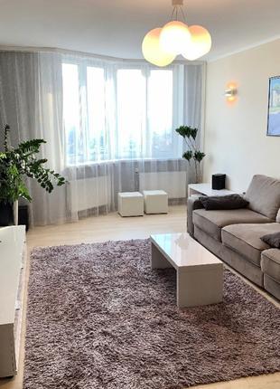 Продам трехкомнатную квартиру в спальном районе на таирово