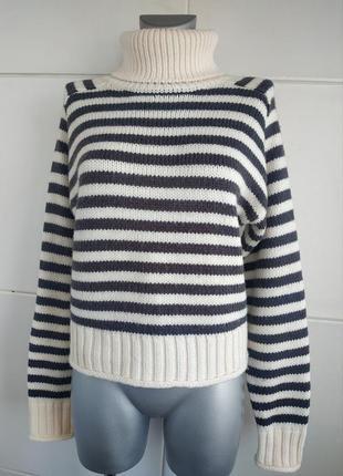 Стильный теплый  свитер zara в полоску с высоким воротником