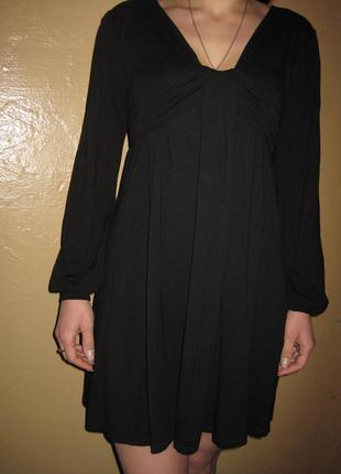 Платье женское.  размер m. в хорошем состоянии!!!