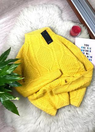 Новый яркий свитер reservered