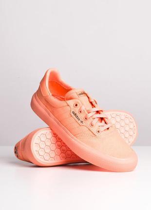Женские кроссовки adidas samle db3108