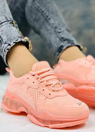 Стильные розовые кроссы