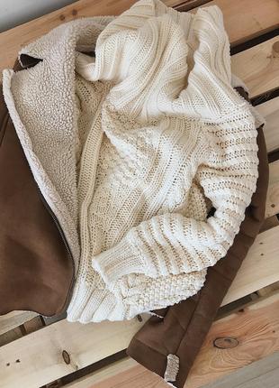 Объемный шерстяной свитер кофта на плечи с открытыми плечами к...