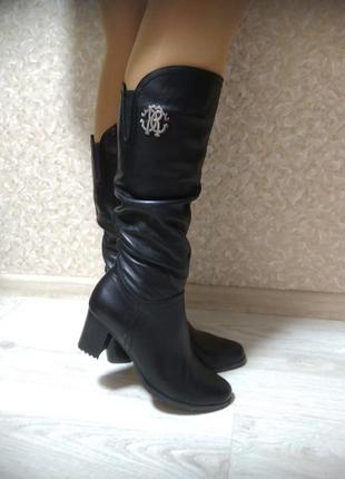 Осенние черные кожаные сапоги на  устойчивом каблуке 7 см