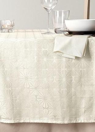 Жакардовая скатерть для декора от тсм (германия) размер 180 на...