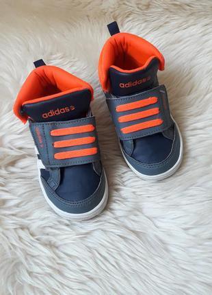Красивые кроссовки adidas 22 размер