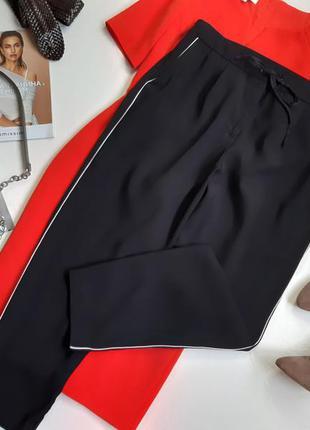 Стильные брюки с лсмпасами/джогеры