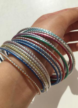 Набір браслетів, украшения, біжутерія, разноцветные браслеты.