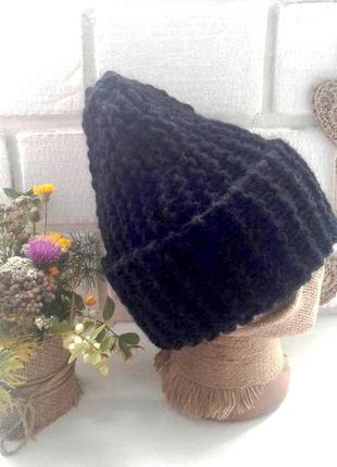 Вязаная шапка бини крупной вязки