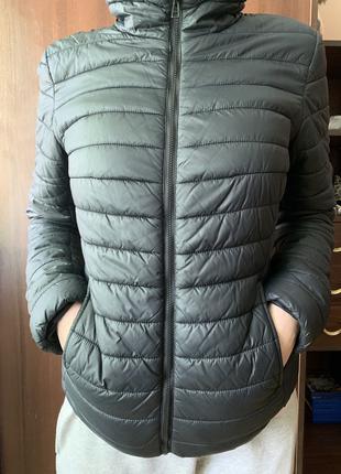 Продам куртку весна/осень O'STIN