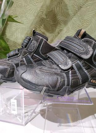 Детские ботинки демисезонные для мальчика geox 30р