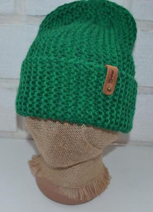 Вязаная шапка бини
