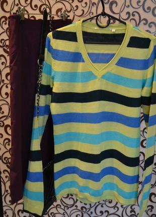 Нежный, приятный джемпер, свитер