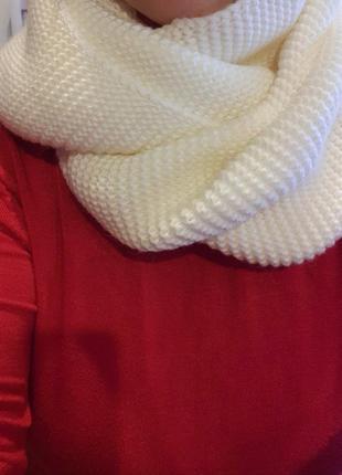 Молочный снуд тёплый шарф