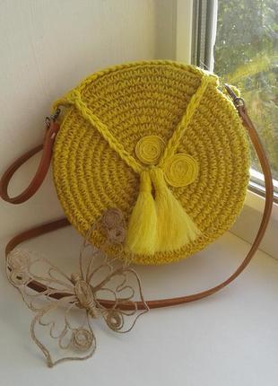 Плетеная, круглая, желтая сумочка, сумка - хит этого лета