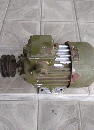 електродвигатель 1.5 квт 2850 об