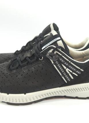 Кожаные кроссовки ecco intrinsic. оригинал 35р.