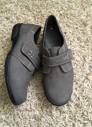 Туфли кожаные на широкую ножку