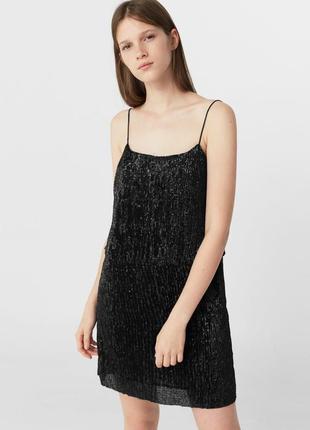 Черное платье в паетки mango