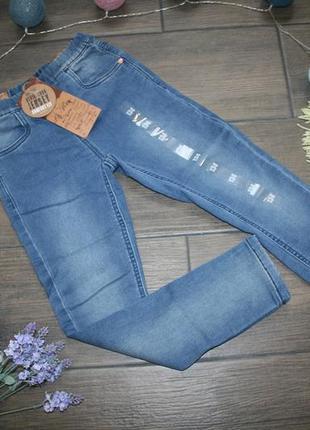 Стильные джинсы скины на девочку 134 р.