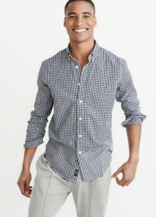 Мужская приталенная рубашка в мелкую черно-белую клетку