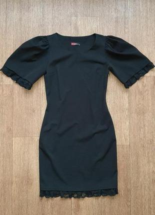 Платье черное нарядное с кружевом