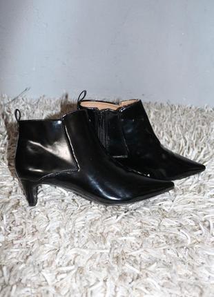 Стильные черные полусапожки ботинки zara