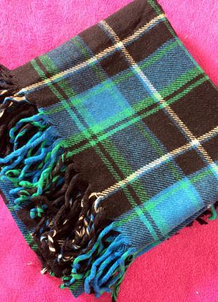 Теплый шерстяной платок