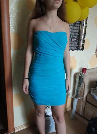 Вечернее мини платье яркого синего цвета
