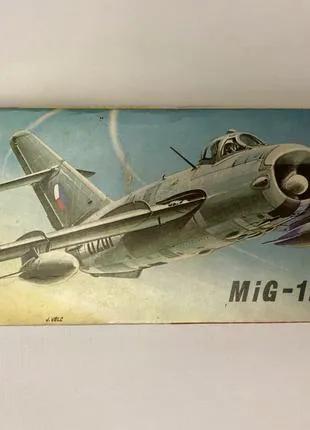 Модель самолёта MiG-17PF 1:72 KP