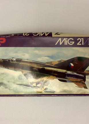 Модель самолёта MiG-21MF 1:72 KP