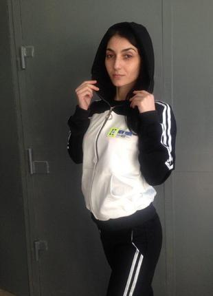 Женский спортивный костюм ( тройка )
