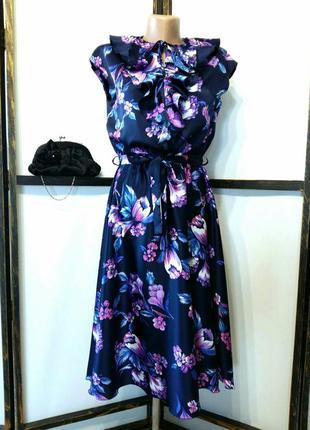 Винтажное нарядное коктейльное платье ретро с жабо воланами по...