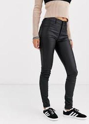 Модные джинсы с напылением под кожу с-м h&m