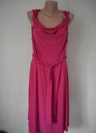 Новое красивое платье wallis