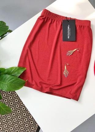 Базовая трикотажная юбка терракотового цвета prettylittlething