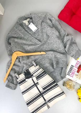 Серый оверсайз свитер с v вырезом h&m