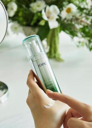 Лифтинг-сыворотка с экстрактом агавы iope live lift serum люкс...