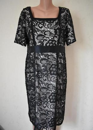 Шикарное кружевное платье berkertex
