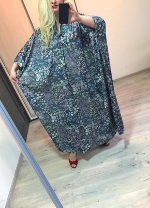 Платье в цветочный принт мега батал