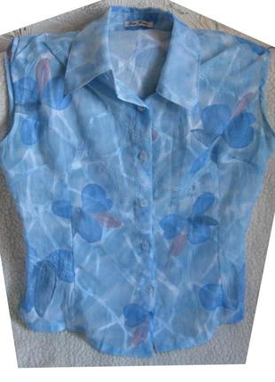 Шифоновая блузка небесного цвета без рукавов