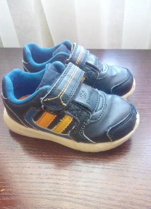 Кроссовки на мальчика, размер 24